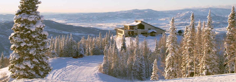 Colorado Springs Colorado USA - Private jet charter and superjet charter broker mlkjets destinations