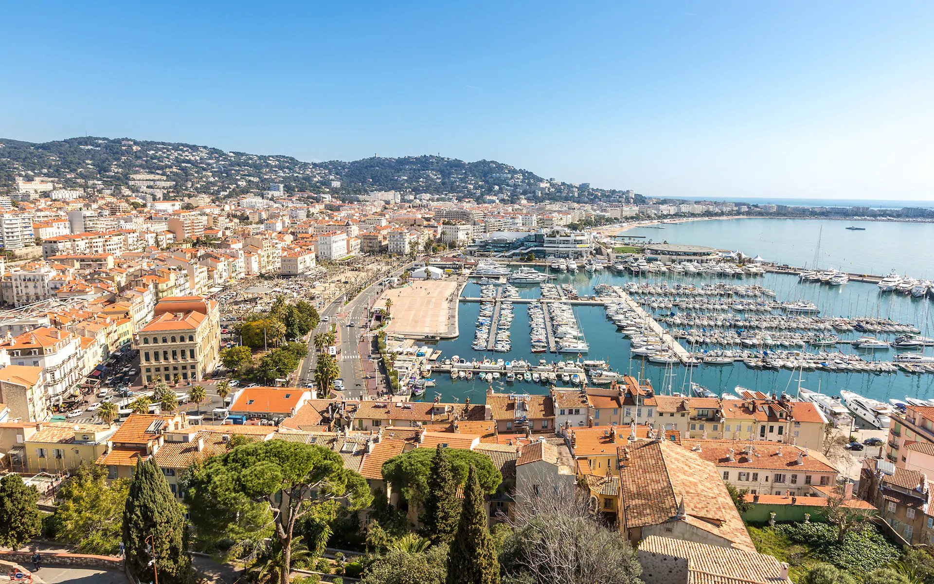 CANNES PRIVATE AIRPORT CANNES PRIVATE JET CHARTER CANNES PRIVATE JET AIRPORT CANNES EMPTY LEGS - Cannes Airport private jet charter and Cannes Airport private jet hire empty leg mlkjets
