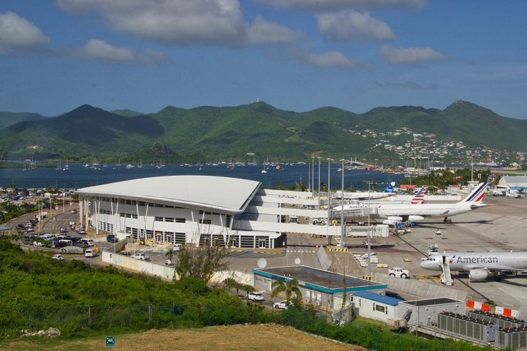 ST MARTEEN PRIVATE AIRPORT ST MARTEEN PRIVATE JET CHARTER ST MARTEEN PRIVATE JET AIRPORT ST MARTEEN EMPTY LEGS2 - St Maarten Airport private jet charter and St Maarten Airport private jet holiday hire empty leg mlkjets